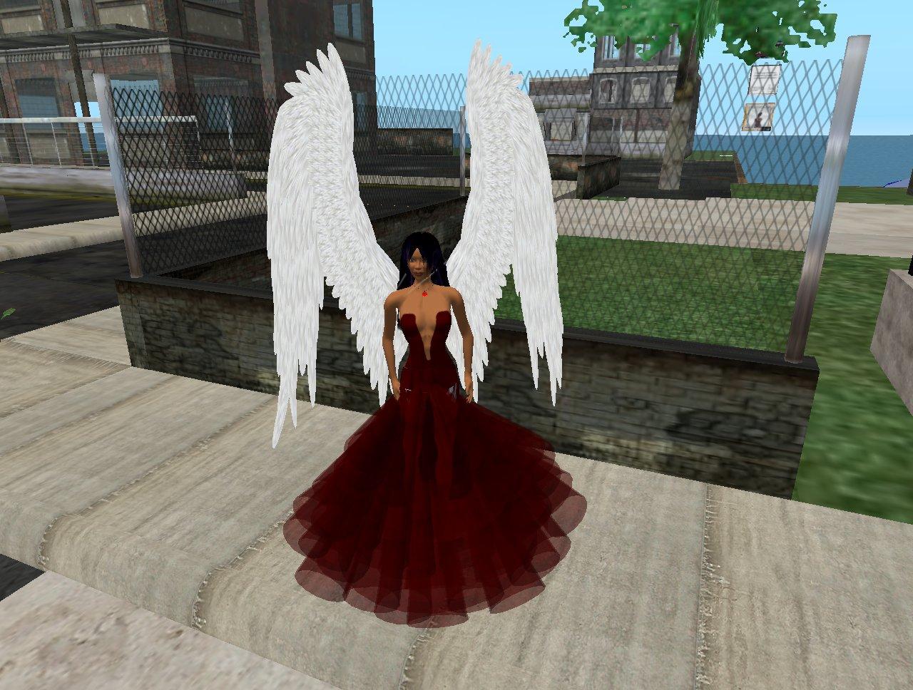 Léna, en tenue robe rouge, ailée - 7/12/2007